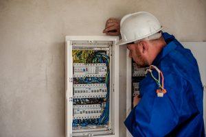 Dépanner une installation électrique BT